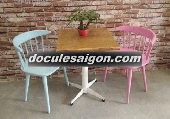 Mẫu bàn ghế quán cà phê đơn giản 2