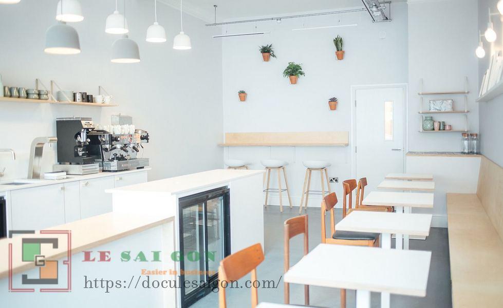 Sử dụng màu sắc trung tính trong thiết kế nội thất không gian là điểm đặc trưng của phong cách scandinavian